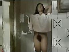 Very hairy pussy shower in les saisons de Natalie